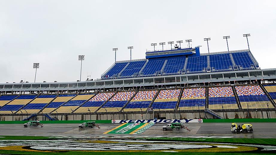 Rain changes on-track schedule at Kentucky Speedway