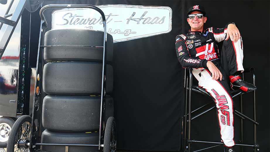 Clint Bowyer explains confronting crew chief at Talladega | NASCAR.com