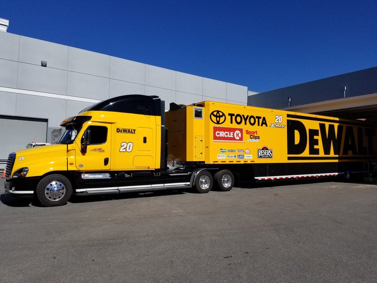 NASCAR teams' haulers roll out toward Daytona | NASCAR.com