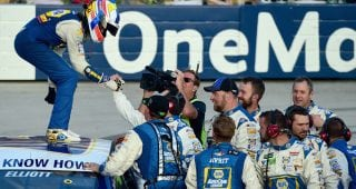 Exclusive: Behind the scenes of Chase Elliott's Dover win