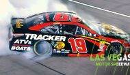 Truex gives fans smoke show in Las Vegas