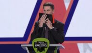 Hamlin pulls off the tape during speech in Nashville