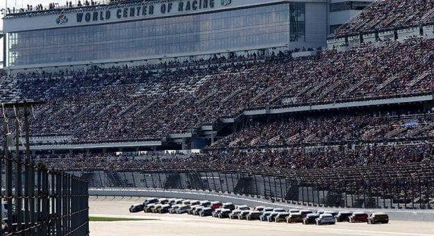 Daytona 500 stage racing