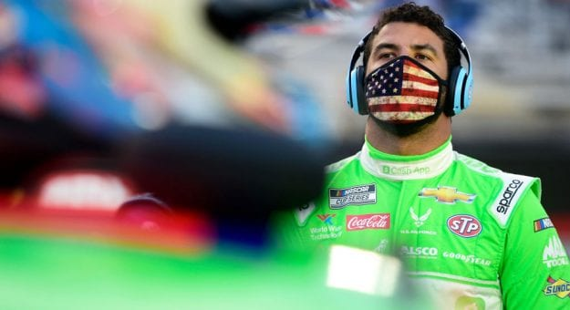 Bubba Wallace wearing American flag mask