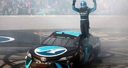 Martin Truex Jr. sweeps Darlington to win third 2021 Cup Series race