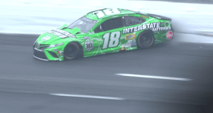 Kyle Busch wrecks from lead at New Hampshire as rain hits